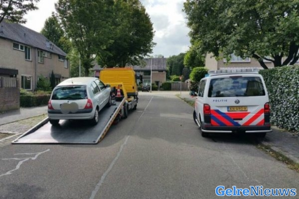 Politie achtervolgt bestuurder in Nijmegen na het negeren